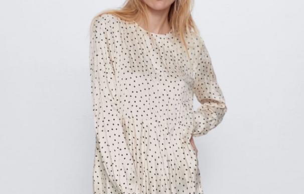 vestido lunares. / Zara