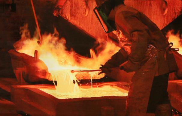 El mejor gurú económico es el cobre: el único metal infalible en prever crisis