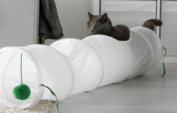Tubo de juegos para gatos.