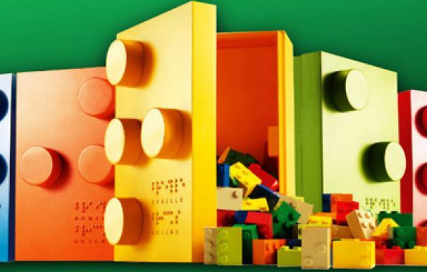El ciego que forzó a Lego a dar manuales en audio y braille