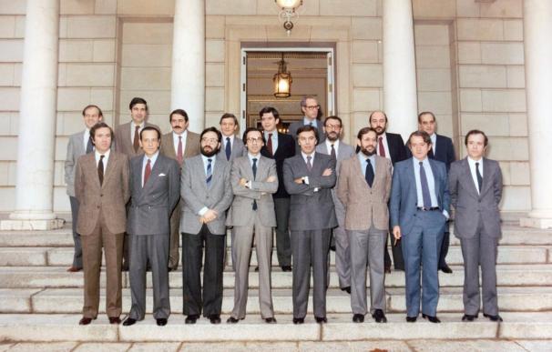 Imagen del primer Gobierno del Partido Socialista en el año 1982