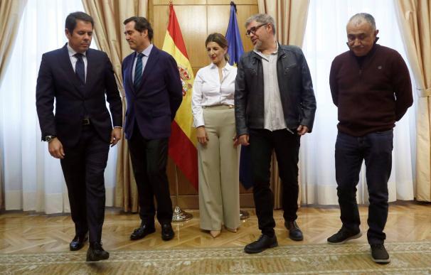 Fotografía acuerdo SMI diálogo social / EFE