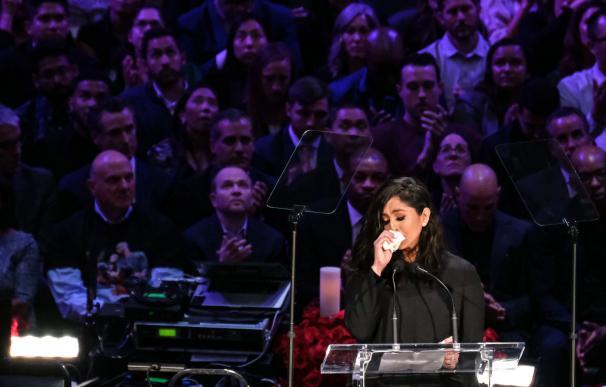 La viuda de Bryant en el homenaje. /David Crane/Los Angeles Daily Ne / EP