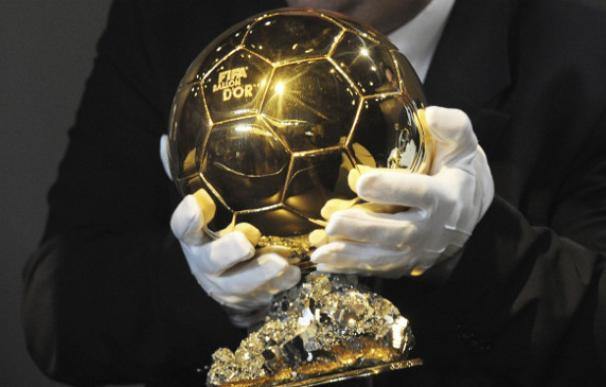 El Balón de Oro es el galardón más preciado para los futbolistas (EFE)