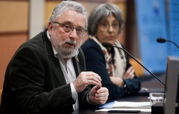 El secretario de Salud Pública de la Generalitat, Joan Guix, y la gerente del Servei Català de la Salud, Assumpta Ricard. /EFE