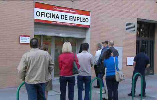 El 23 por ciento de los parados en 2013 llevaba tres o más años desempleado