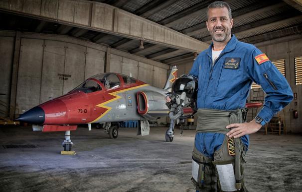 Así es el comandante Garvalena, el piloto de Patrulla Águila accidentado en Murcia