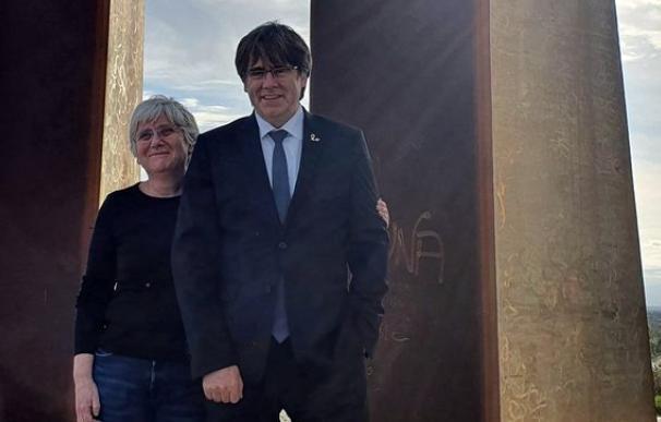 La exconsellera Clara Ponsatí y el expresidente de la Generalitat Carles Puigdemont - @KRLS