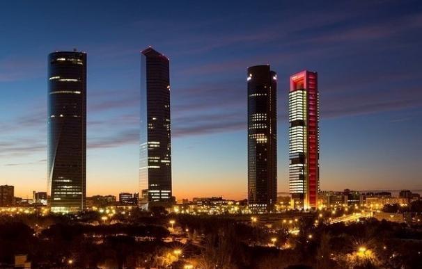 (A)Economía multa a KPMG con 2,4 millones y a PwC con 337.000 euros por sus auditorías a la CAM y Mercasevilla