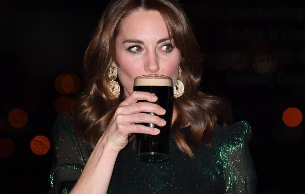 La duquesa Catalina de Cambridge asiste a una recepción en el bar de Guinness Storehouse. /EFE