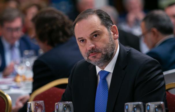 El secretario de Organización del PSOE y ministro de Fomento en funciones, José Luis Ábalos, este jueves en un desayuno organizado por la Cadena Ser.