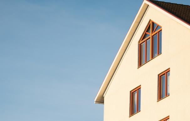 Fotografía de una casa con hipoteca. Aquí se explica si tiene IRPH o no.