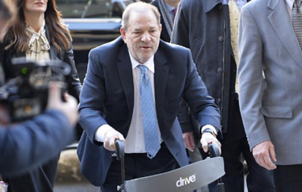 Condenan a Weinstein a 23 años de cárcel por violación