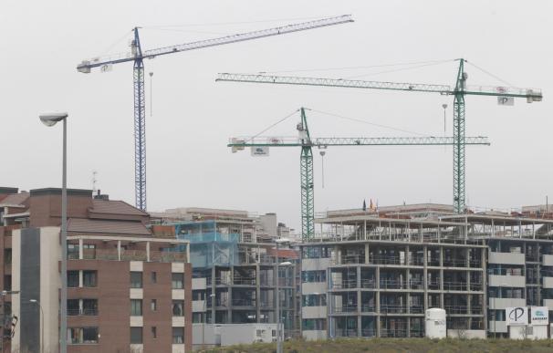 compraventa vivienda, construcción, obra, grúa