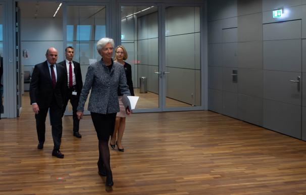 Guindos escolta a Lagarde hacia su conferencia más decisiva.