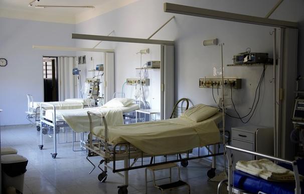 Fotografía de una cama de hospital.
