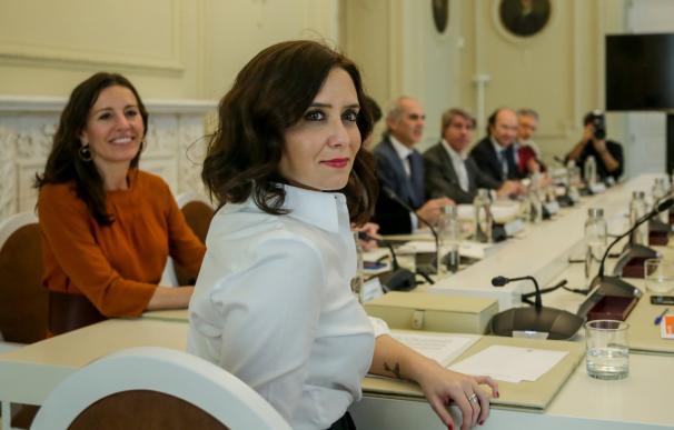 Isabel Díaz Ayuso preside la reunión extraordinaria por el coronavirus