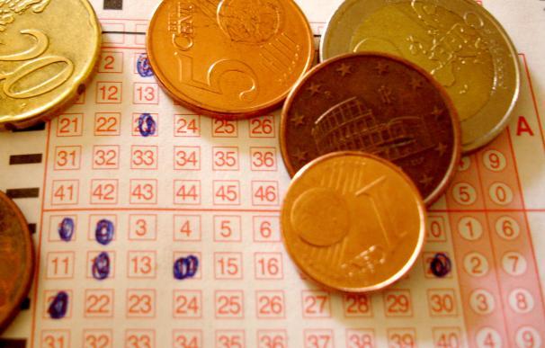 Fotografía de un boleto de lotería como el del Euromillones.