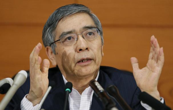 El Banco de Japón mantiene los estímulos y atisba el fin de la deflación