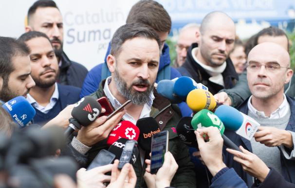 Santiago Abascal (Vox) en la manifestación de Barcelona a favor del Día de la Constitución, en la plaza Urquinaona el 6 de diciembre de 2019