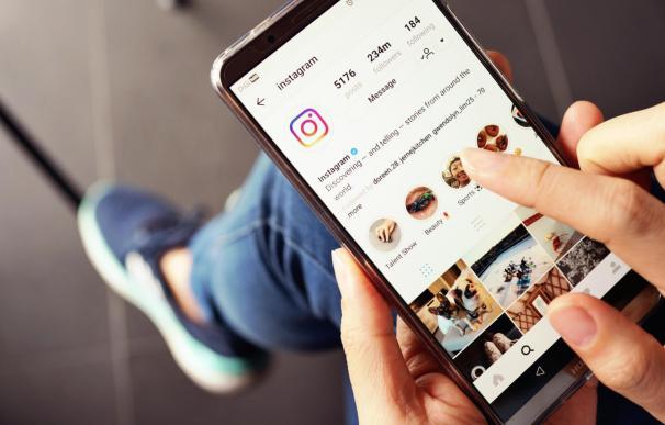LinkedIn copia a Instagram y probará el uso de 'stories'