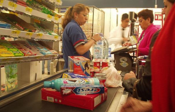 ¿Qué piensa un cajero de supermercado de sus clientes?