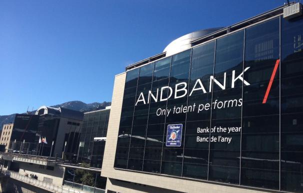 Fitch rafitica el rating de Andbank en A- tras anunciar la compra de Inversis Banco