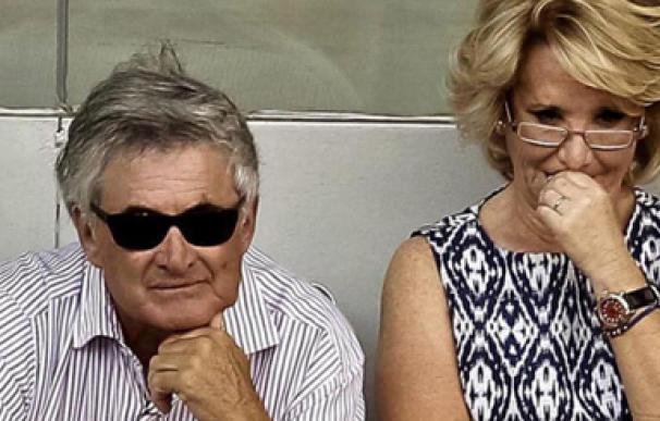 Esperanza Aguirre y su marido ingresan tras dar positivo