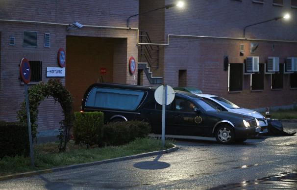 Almeida avisa que la Funeraria de Madrid no podrá enterrar sin equipos de protección