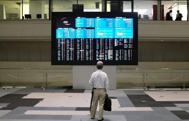 El Nikkei cierra en su máximo en 2 meses optimista ante la reunión de la Fed