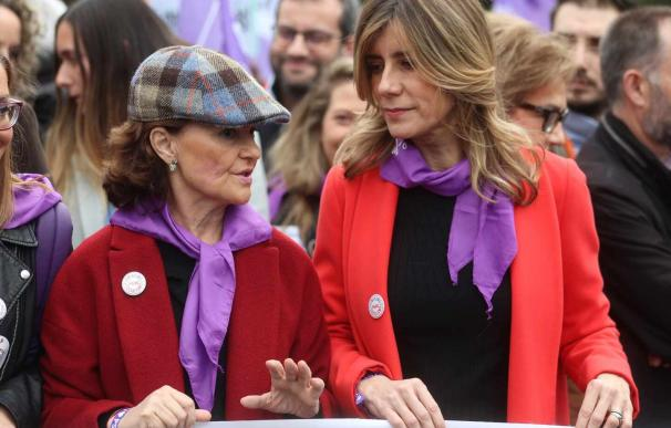 Carmen Calvo y Begoña Gómez