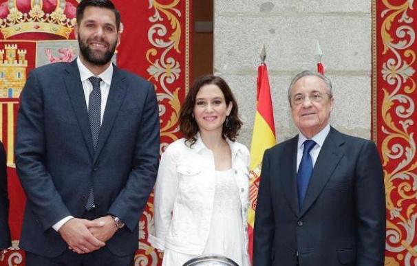 Isabel Díaz Ayuso, Florentino Pérez y Felipe Reyes