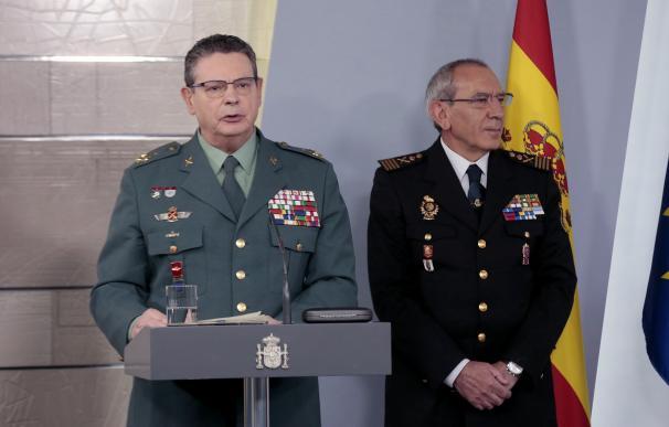 El director operativo adjunto de la Guardia Civil, Laurentino Ceña (i), junto al director operativo adjunto de la Policía Nacional, José Ángel González (d)