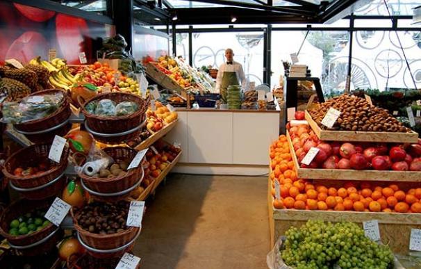 Sección de frutas y verduras de un supermercado / Pixabay