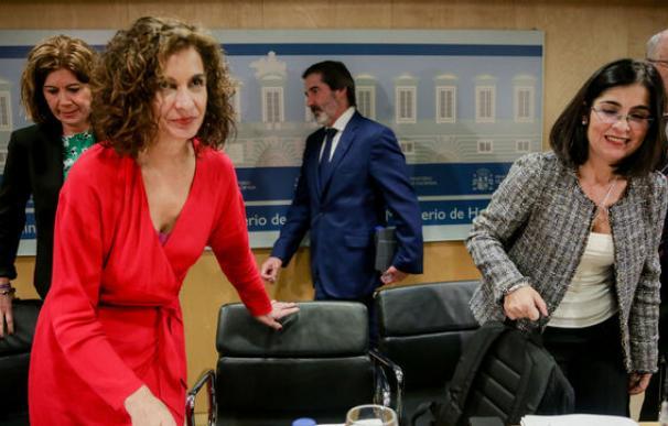 María Jesús Montero y Carolina Darias, en Consejo Política Fiscal / EP