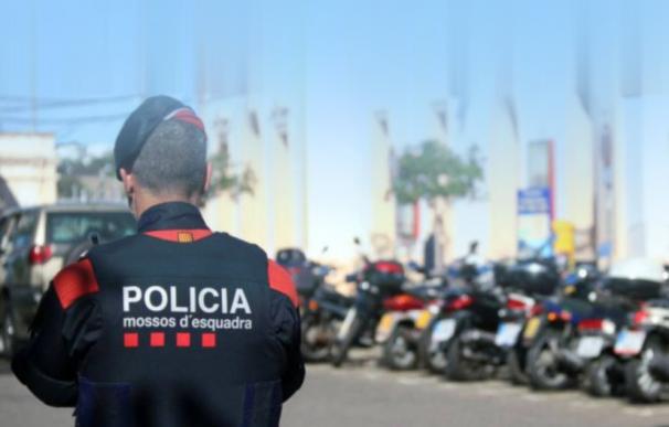 Los Mossos detienen a tres individuos en Barcelona por una presunta agresión sexual