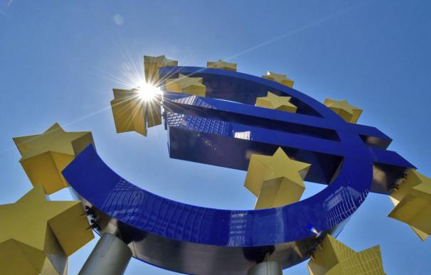 El BCE prevé que la economía de la zona del euro se contraerá un 0,4 por ciento en 2013