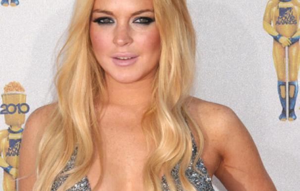 Lindsay Lohan se tatúa una canción de Billy Joel