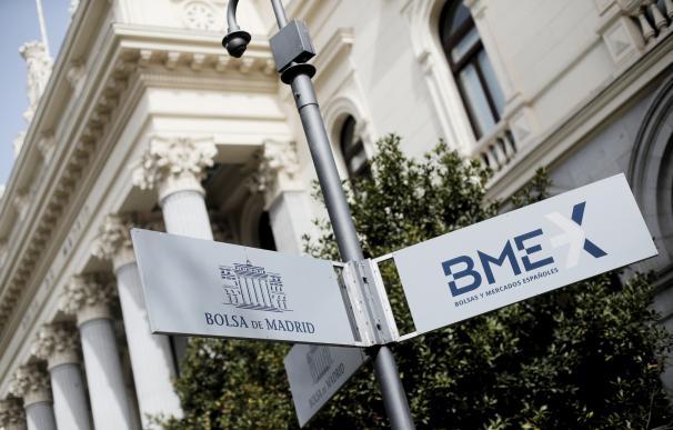 Señal en la calle que indica la Bolsa en Madrid, cerrada hoy al público después de que el Ibex 35 haya rebotado por la intervención del BCE, en Madrid (España), a 19 de marzo de 2020.