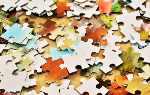 Fotografía de un puzzle. Son perfectos para mejorar la memoria y combatir el estrés durante la cuarentena.