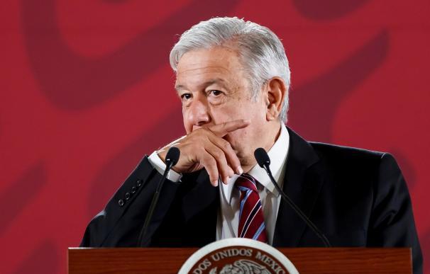 El presidente de México, Andrés Manuel López Obrador, ofrece una conferencia de prensa matutina este jueves, en el Palacio Nacional de Ciudad de México (México). EFE/ José Méndez