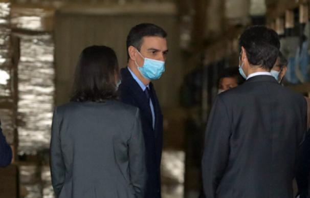 Pedro Sánchez mascarilla fábrica respiradores