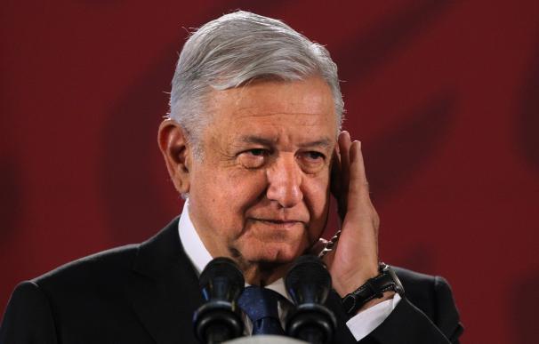 El presidente de México, Andrés Manuel López Obrador, participa en su conferencia de prensa matutina, en Palacio Nacional. /EFE