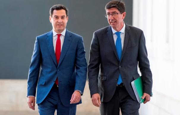 El presidente de la Junta de Andalucía, Juanma Moreno, y el vicepresidente, Juan Marín