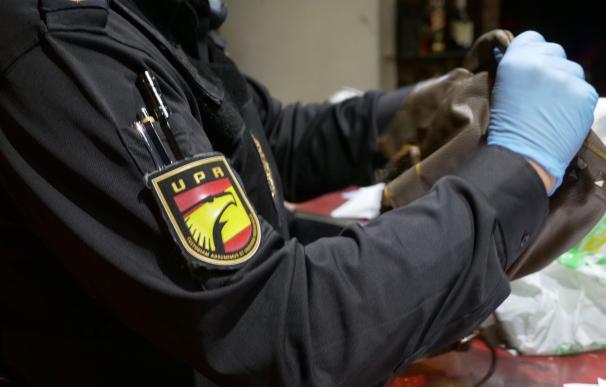 Agentes de la Policía Nacional en Oviedo.
