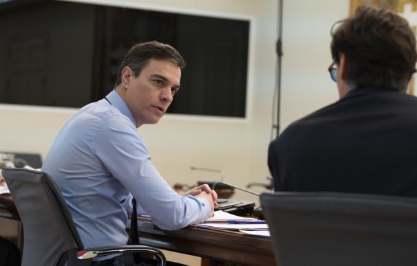 Sánchez cede ante la empresa y levanta el parón económico con un consejo partido