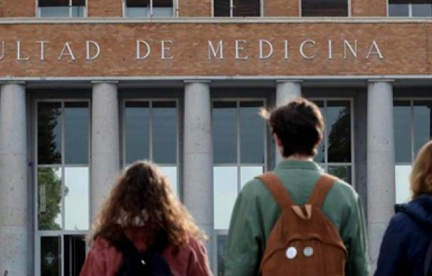 Sanidad reclutó a estudiantes de Medicina sin los decanos