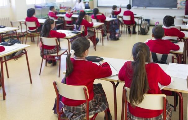 Foto colegio niñas uniforme / EP