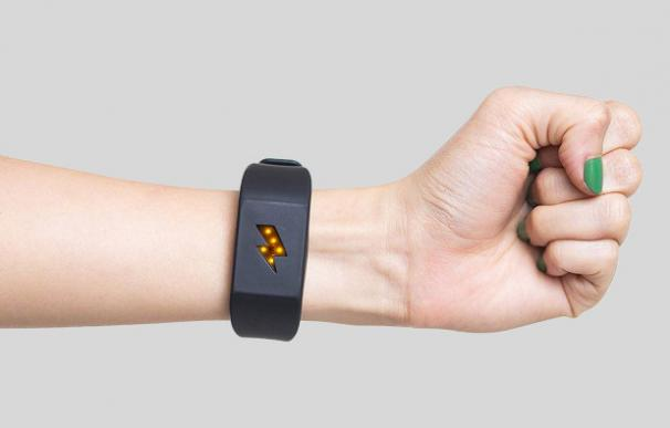 Fotografía de la pulsera Pavlok, que da descargas eléctricas.