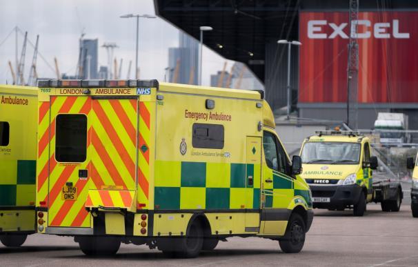 Ambulancia coronavirus Londres./ EFE
